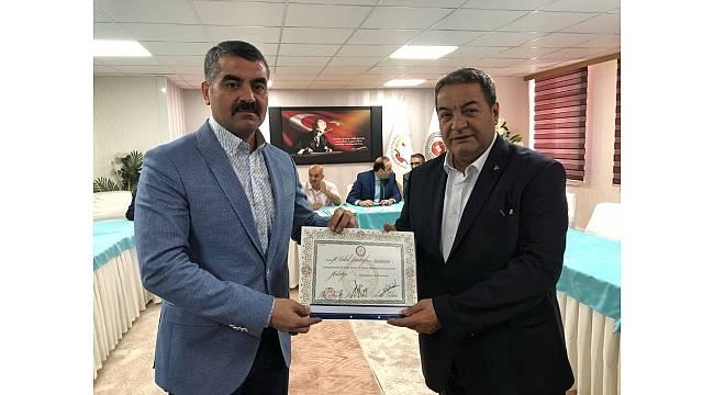 MHP Milletvekili Fendoğlu mazbatasını aldı