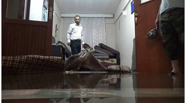Bursa'da birçok evi su bastı