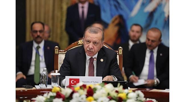 """Erdoğan'dan Türk devletlerine: """"Kendi para birimlerimizle ticaret yapılması seçeneği üzerinde yoğunlaşmayı öneriyoruz"""""""