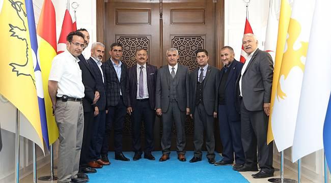 Yeşilyurt Muhtarlar Derneği Başkanı Şahbaz, Başkan Güder'i Ziyaret Etti
