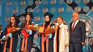 -Malatya Turgut Özal Üniversitesinde 1. Mezuniyet Töreni yapıldı