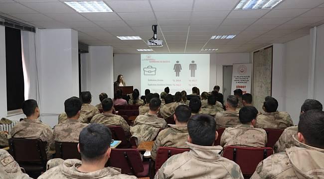 Malatya İl Jandarma Komutanlığ Kadına Yönelik Şiddet ve Aile İçi Şiddetin Önlenmesi Kursu