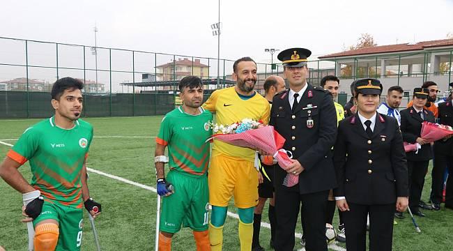 Malatya İl Jandarma Komutanlığı tarafından 03 Aralık Engelliler Gününde Süpriz Ziyaret