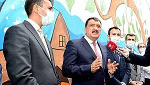 Büyükşehir Belediyesinden Küçük Mustafapaşa Mahallesine Muhtar Evi, Kütüphane ve Park kazandırıldı