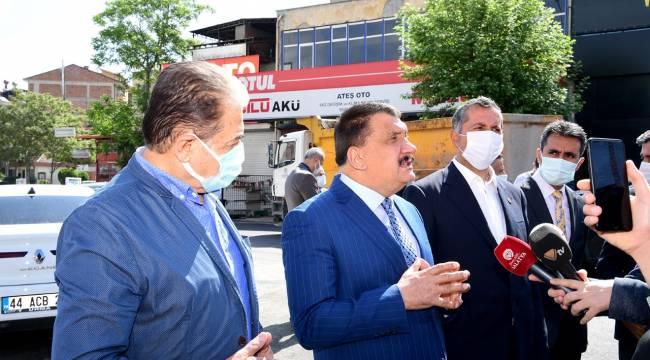 Sanayi Kavşağında asfalt çalışmalarını inceleyen Başkan Gürkan,