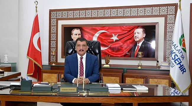 Zafer Bayramı dolayısıyla bir mesaj yayınlayan Başkan Gürkan: